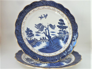 Booth's Real Old Willow Dinner Plates